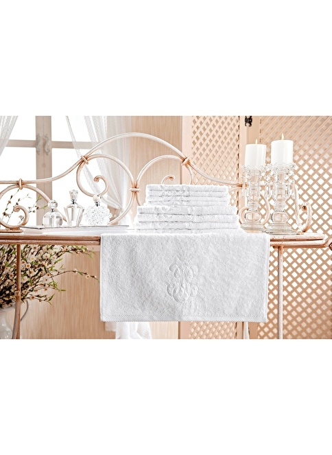 Gül Güler Nakışlı Banyo Havlusu Yeni Arma Beyaz